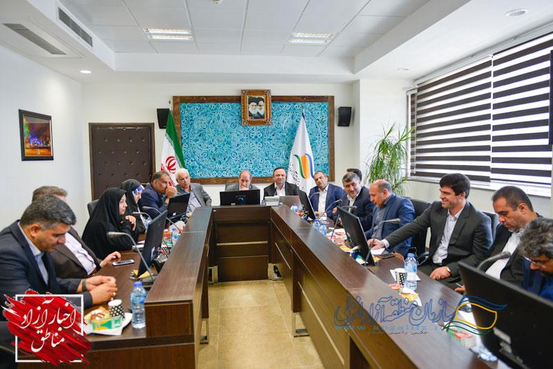 گزارش تصویری: نشست تخصصی و بازدید اعضاء کمیسیون اقتصادی مجلس شورای اسلامی از منطقه آزاد انزلی