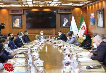 اهتمام سازمان منطقه آزاد کیش در جهت رفع مشکلات شرکتهای نفتی منطقه